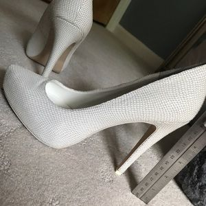 BGBGeneration White Heel